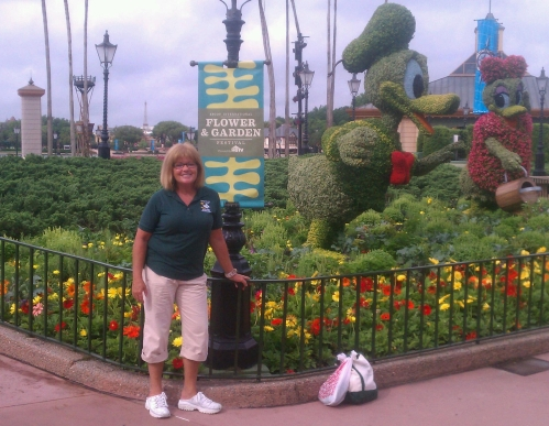 Donald and Daisy Duck Topiaries, Epcot 2012