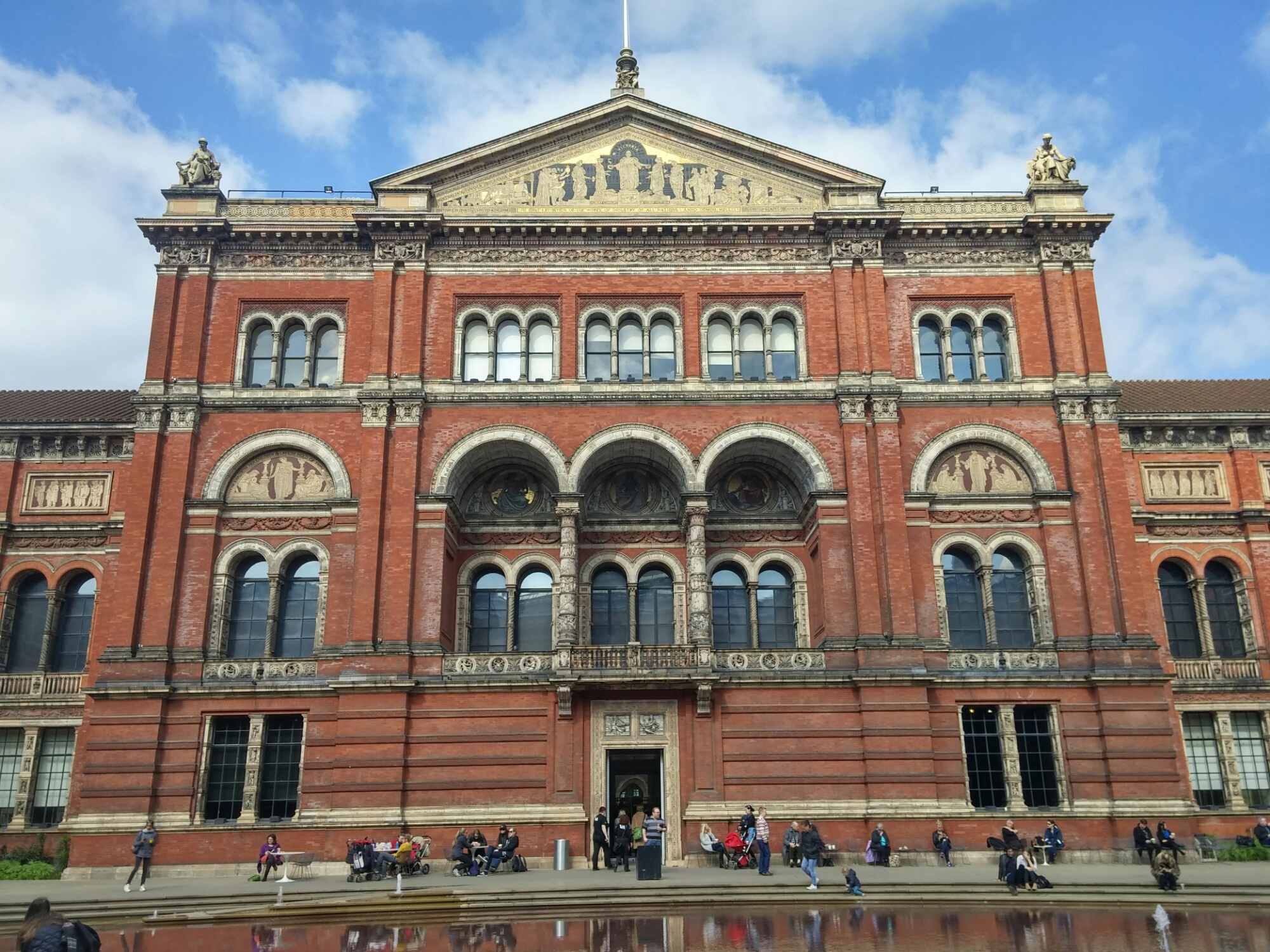 Wordless Wednesday: Victoria & Albert Museum